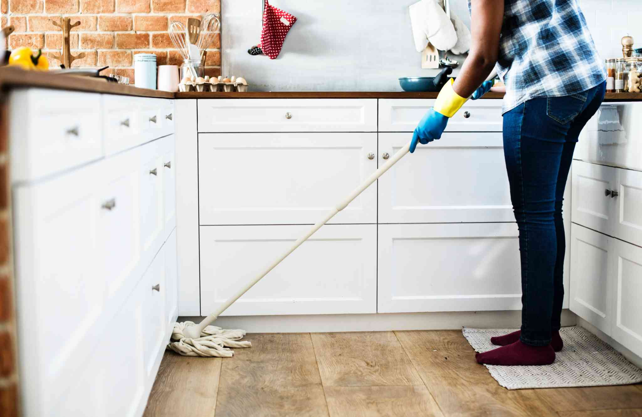 Check out our guide to cleaning your apartment when moving in or out.